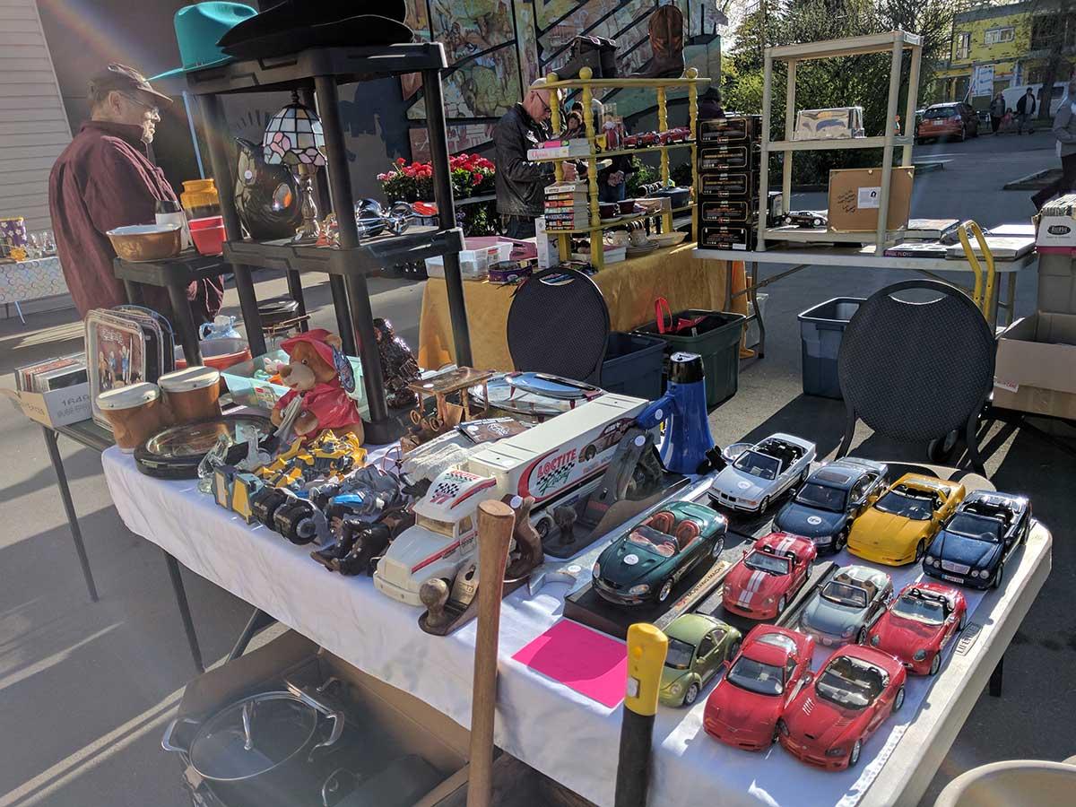 HillHurst Sunnyside Flea Market