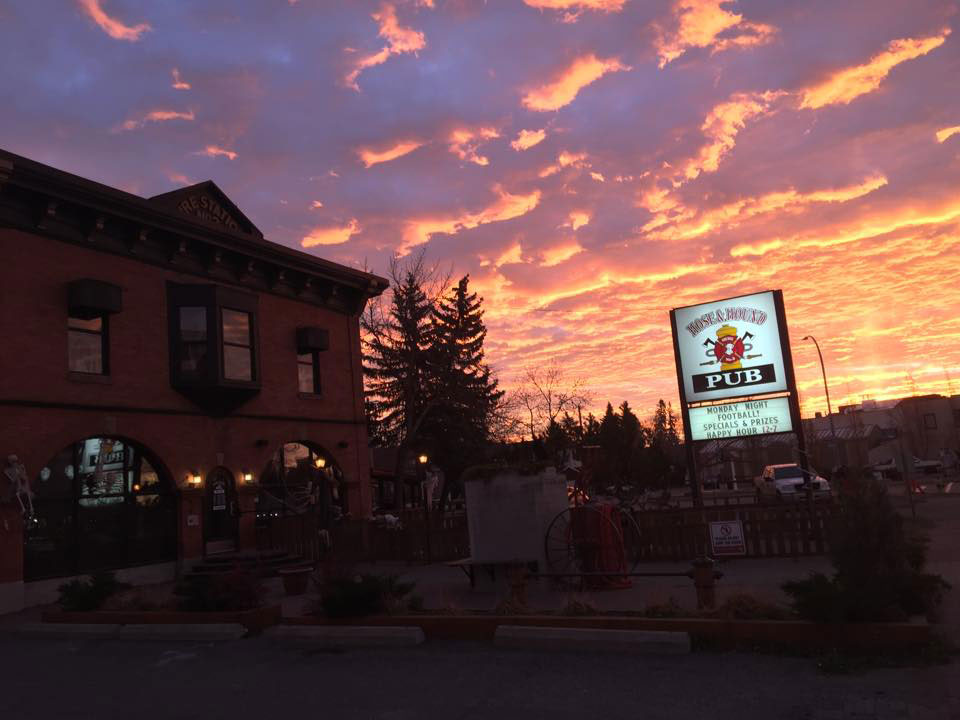 Haunted Places in Calgary - Hose and Hound pub
