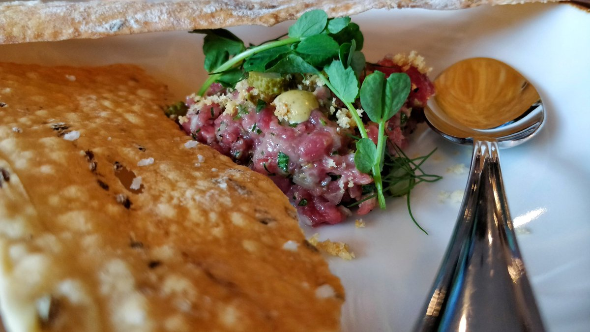 Flower and Wolf beef tartare