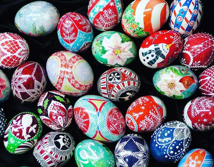 Crazy4Crafts Christmas Market decorative eggs