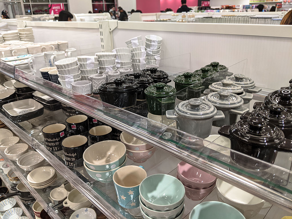 Oomomo Calgary mini ceramic pots and mugs