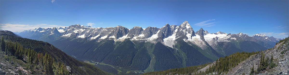 Purcell Mountain Lodge world class views Selkirk Range of mountains