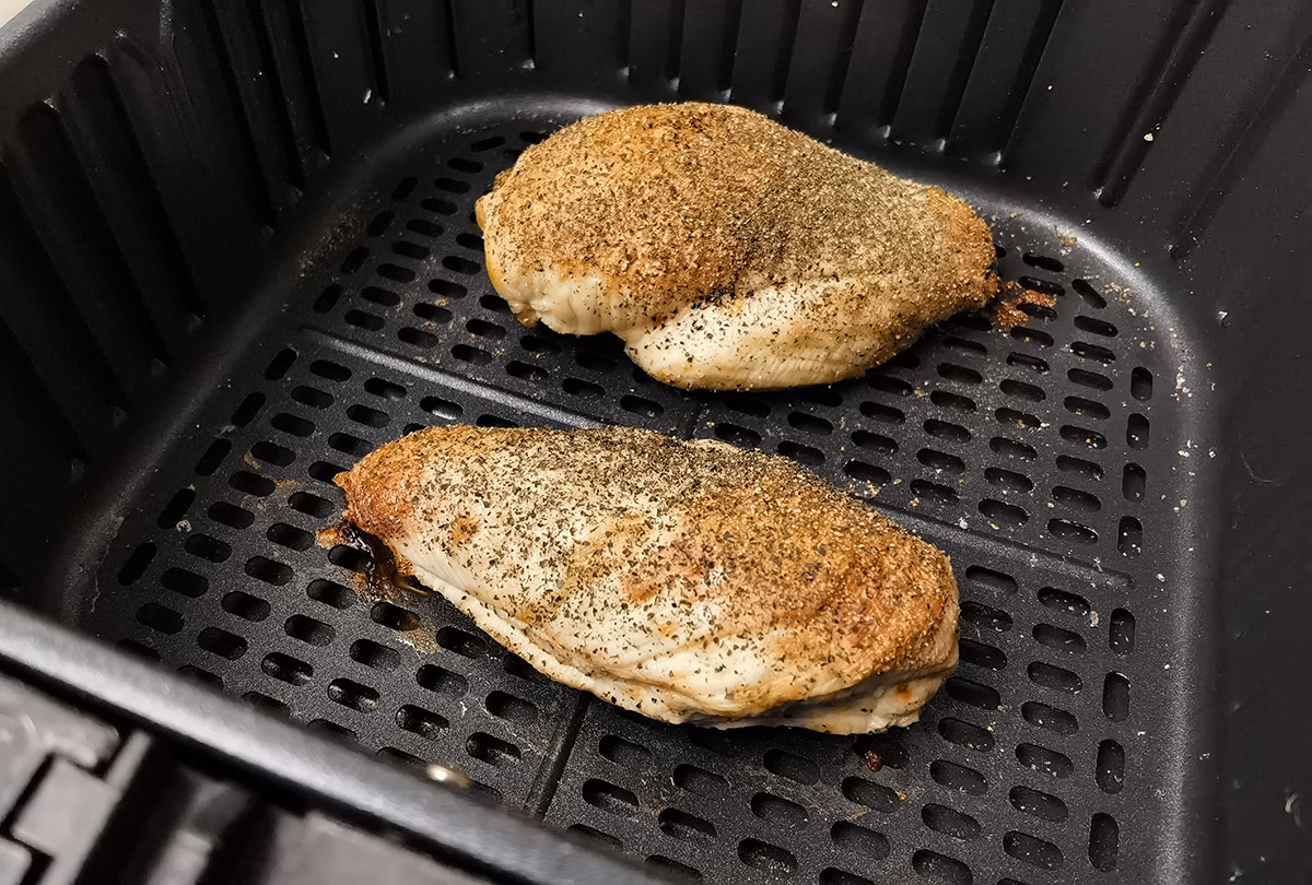 Review: COSORI 5.8QT Air Fryer From Amazon cooked chicken breast with salt and pepper, using the default chicken setting