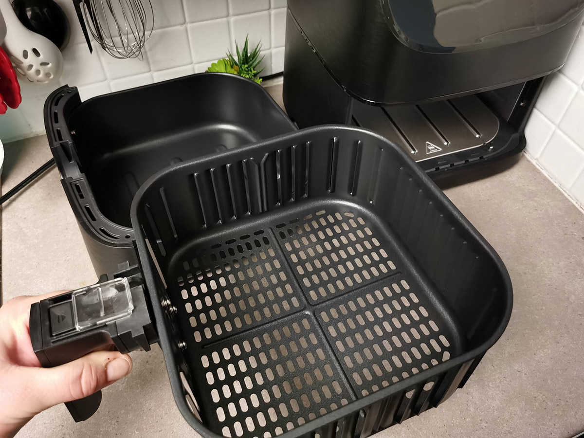 COSORI 5.8QT Air Fryer From Amazon frying basket separated